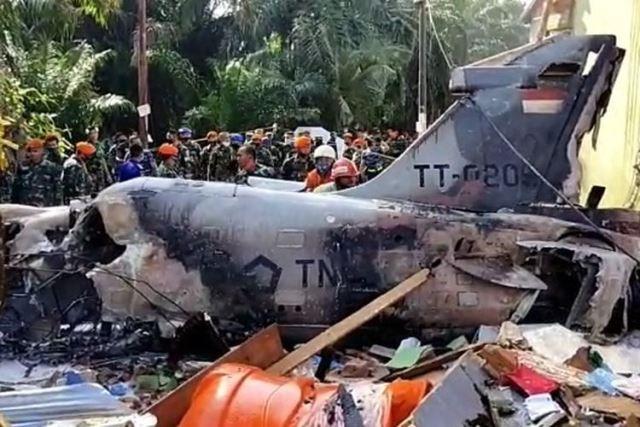 Pesawat Tempur TNI AU Jatuh di Riau, Pilot Selamat Dengan Kursi Lontar