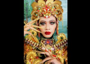 Sausan Alya Taisir Pemenang Best National Costume do Ajang Miss Earth Indonesia 2020