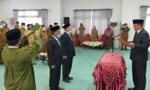 Bupati Aceh Timur, H Hasballah Bin H.M Thaib SH melantik Ir Mahyuddin sebagai Sekda baru menggantikan Sekda lama H M Ikhsan Ahyat, di Aula Serbaguna Pendopo Idi, Senin 16 Nov 2020
